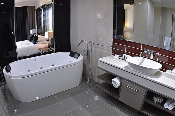 Take some time to relax and enjoy yourself in a Spa Suite at Rydges Palmerston Darwin.