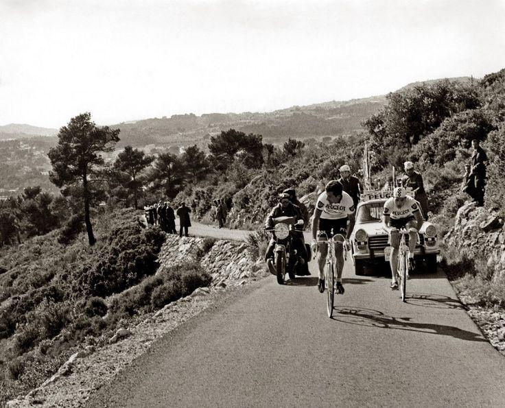 ....Merckx and Tom-Simpson, Paris-Nice, 1967
