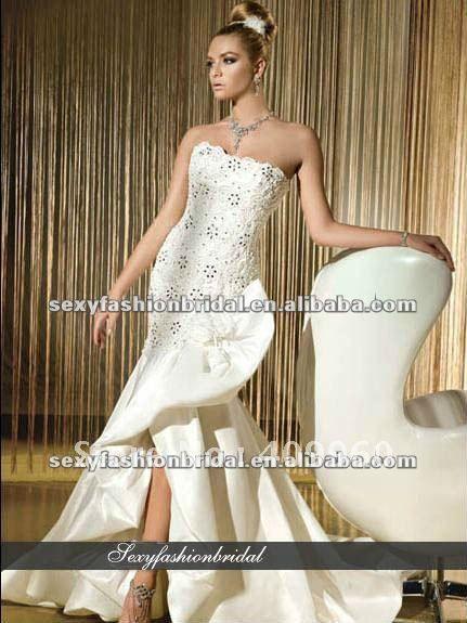 Bustier perlé avec applique et raccord. corsage robe de mariée mariage robes fente avant