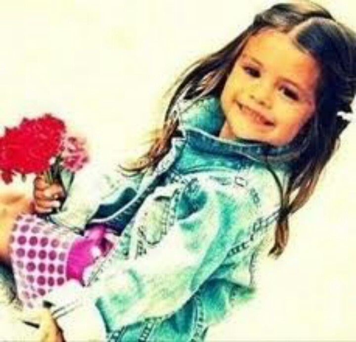 Selena Gomez as a baby <3  Google images