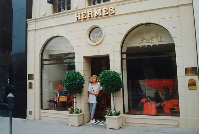 🌴🌞 Rodeo Drive Beverly Hills 🌄 Beautiful Boutique Hermès 👜🌻👠🌼🎀 Hey Ladies...💑. #tb #1992 #honeymoontrip #california #roundtrip #rodeodrive #beverlyhills #losangeles #la #beverlyhills90210 #90210 #travelblogger #travelusa #travel #hermes #shopping #lifestyle #hermesparis #californiagirl 👱 #lajollalocals #sandiegoconnection #sdlocals - posted by   https://www.instagram.com/jt_cologne_63. See more post on La Jolla at http://LaJollaLocals.com
