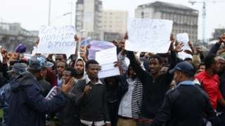 Image copyright                  Reuters Image caption                                      Rallies have continued across Ethiopia despite a protest ban announced on Friday                                Several people are feared dead in clashes in north-western Ethiopia between police and anti-government protesters, amid a wave of unrest. On Friday police arrested dozens of demonstrators during massive rallies in the capital, Addis Ababa.  S