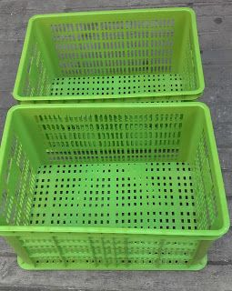 Selatan Jaya distributor barang plastik Surabaya: Keranjang industri krat plastik merk blueshark