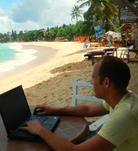 Lavorare online e vivere in 5 continenti viaggiando.Storia di Successo di JOHANNES VOLKNER @NOMADI DIGITALI