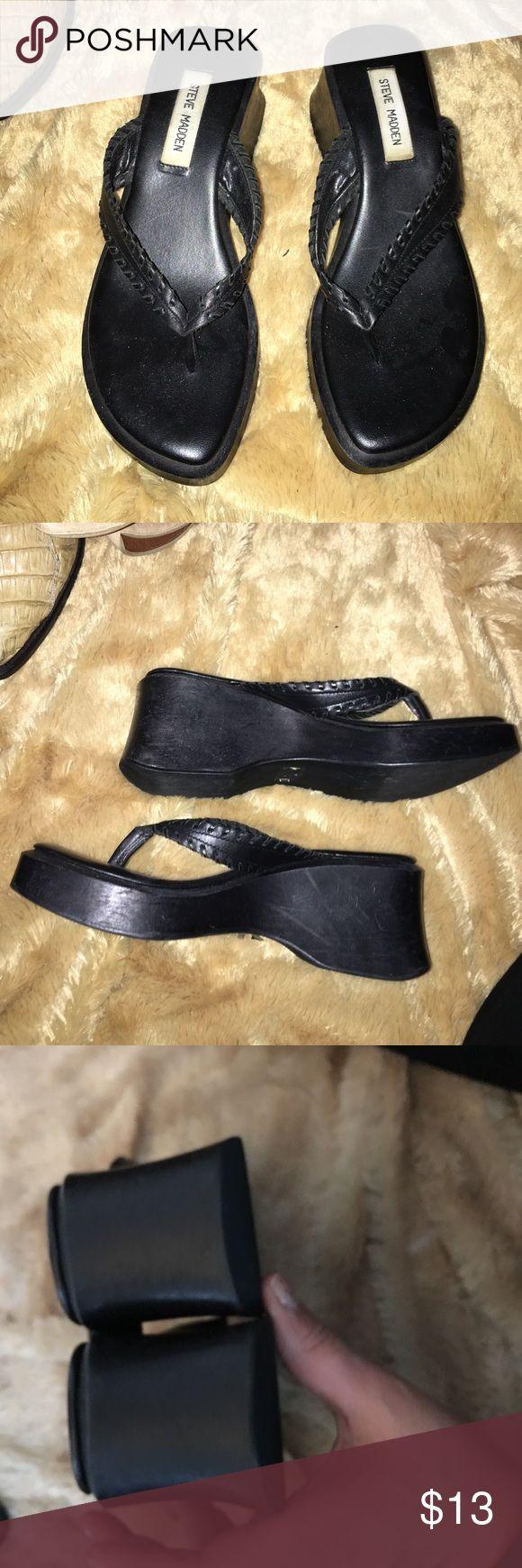 """Platform sandals 1-3"""" leather thong strap platforms euc Steve Madden Shoes"""