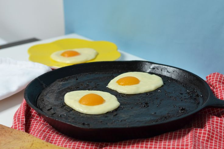 Cake-a-Like: Eggs in a Frying Pan