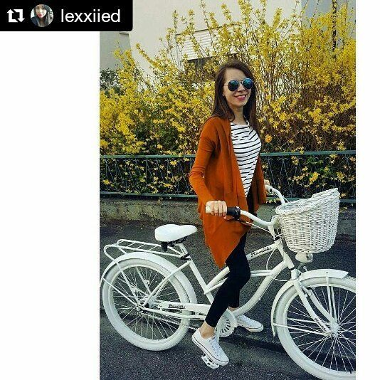 Bicicleta urbana para mujer de la marca Plumbike Grazia Blanca  disponible en nuestra tienda www.favoritebike.com Repost @lexxiied ・・・ #plumbike #najlepszy #rower #cruiser #biała #dama #piękniejest #happy #me #polishgirl #love  #bici #bicicletaurbana #beachcruiser #beautiful #tienda #shopoholic #fashiongirl #fitgirl #views #spring #bicycle #favoritebike #españa #loveit #mybike #goodmorning