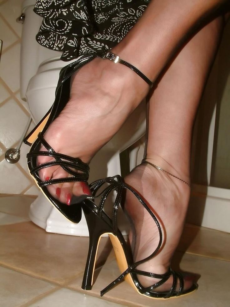 Women In Sexy Shoes Fetish 1