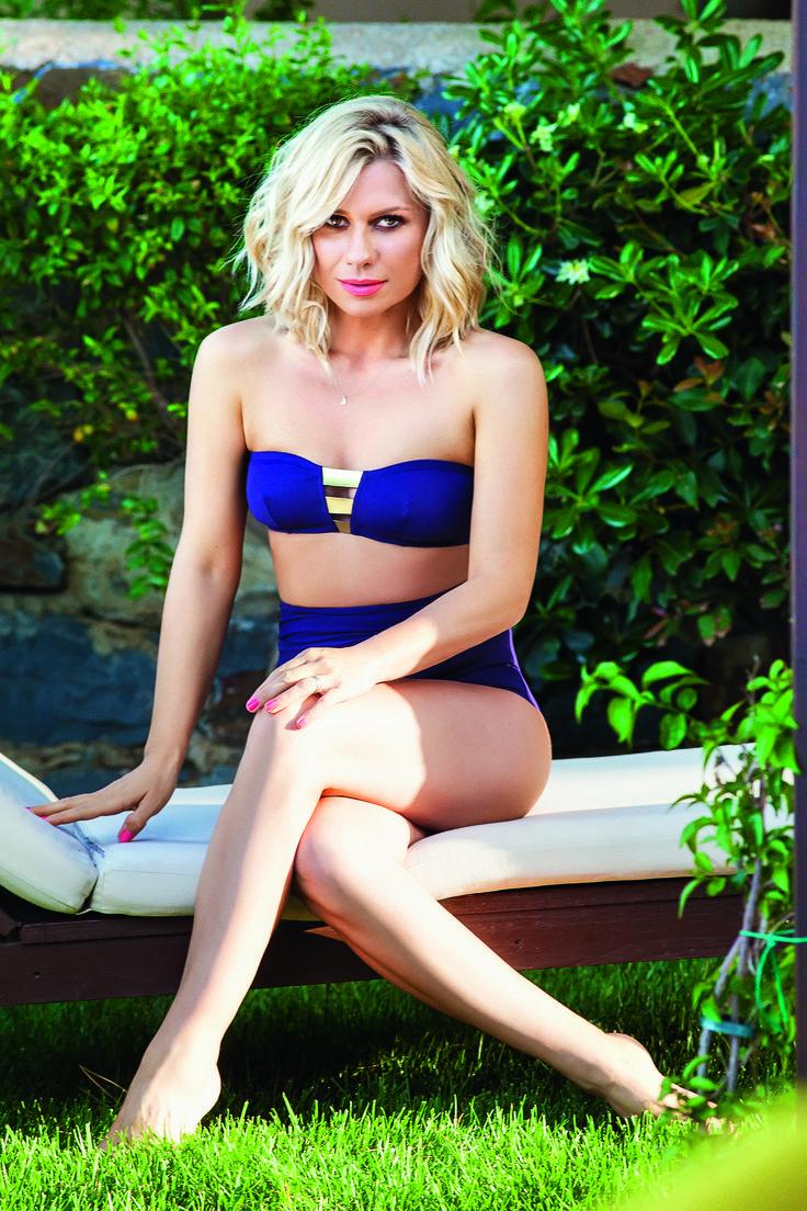 Katerina Karavatou for Hello magazine Greece Hair + make up by Panos Kallitsis Photos: Roula Revi