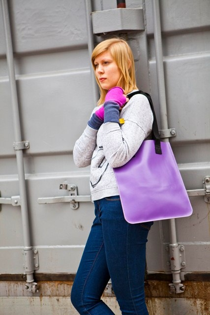 southbank tote in purple with raspberry cashmere wristwarmers