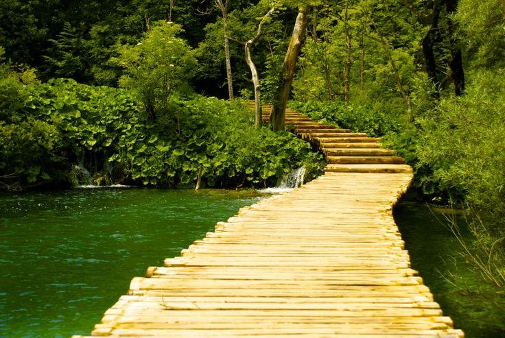 Beautiful national park Plitvička Jezera in Croatia.  #PlitvičkaJezera #Plitvičkalakes #nationalparkPlitvička #hiking #croatia #kroatien #vandring #Plitvickalakes #waterfalls #nature #vattenfall