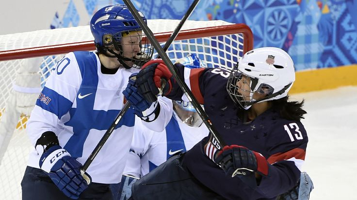 Women's ice hockey begins with big hits
