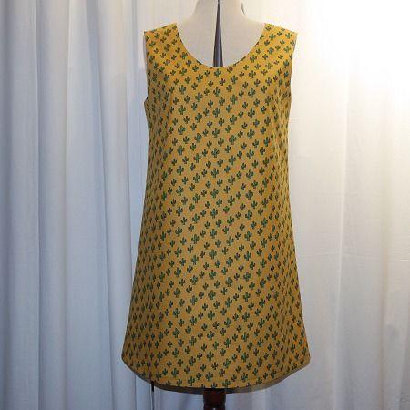 Robe trapèze ample encolure en ronde sans manches en tissu coton motifs cactus vert sur fond jaune : Jupe par muriellejb-creations