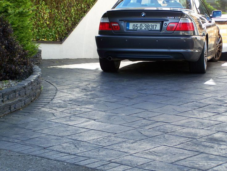 Grand Ashler Slate  Dark Grey.