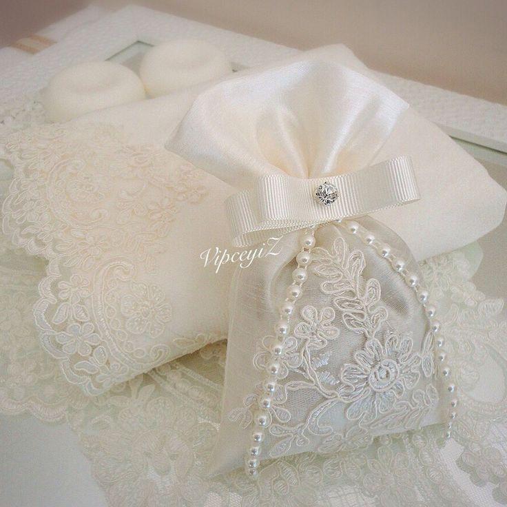 Lace towel&sachet