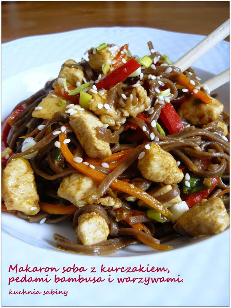 Kuchnia Sabiny: Makaron soba z kurczakiem, pędami bambusa i warzyw...