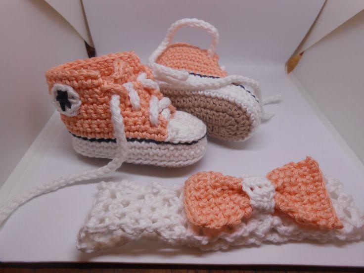 Set scarpine sportive + fascia per capelli con fiocco  bianco rosa, idea regalo., by Le gioie di  Pippilella, 26,00 € su misshobby.com