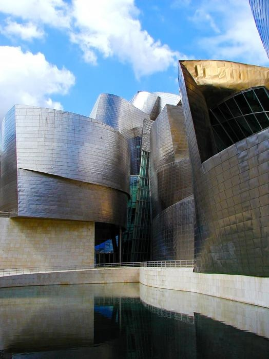 an analysis of the style of architecture in guggenheim museum in bilbao The oxford english dictionary defines architectural style as, a definite type of architecture distinguished by  guggenheim museum in bilbao,  and risk analysis.