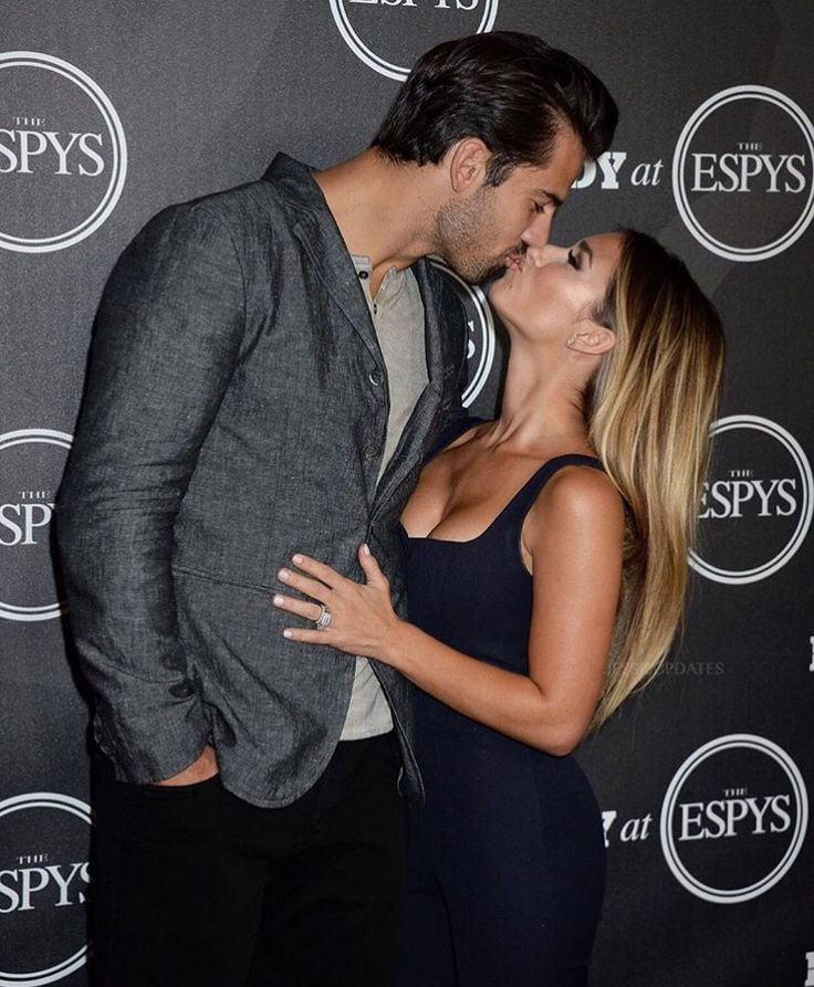 "who is jessie james decker dating Orlando bloom has nothing on eric decker, at least according to his wife jessie james decker celebrated her husband's second quarter touchdown against the bills thursday night with a snapchat post under the caption, ""touch down big d--k decker"" yep, turns out the jets' wide receiver is."