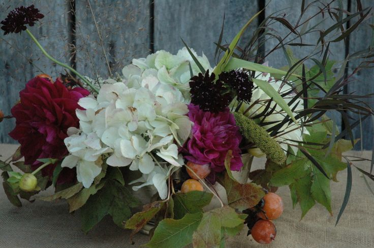 centerpiece with hydrangea, persimmons, dahlias grown on Turnbull Creek Farm, Nashville