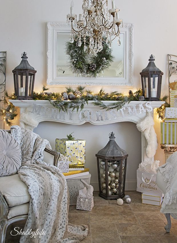Christmas In The Living Room: My Holiday Mantel