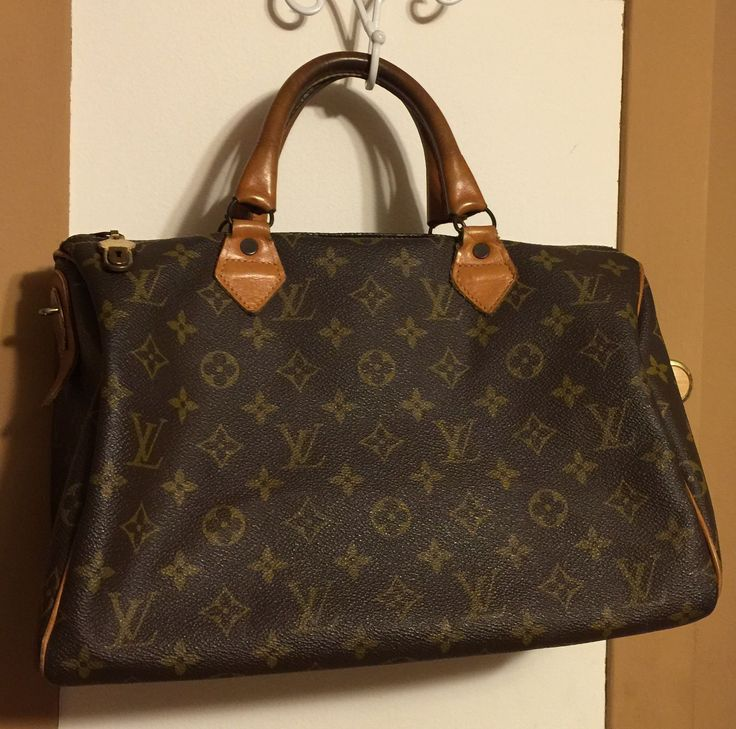 Louis Vuitton speedy 30, possibly speedy 35 handbag in nice vintage condition. This satchel has the French Company tag included and not a date code. Large satchel 16x8. Lots of life left to this older