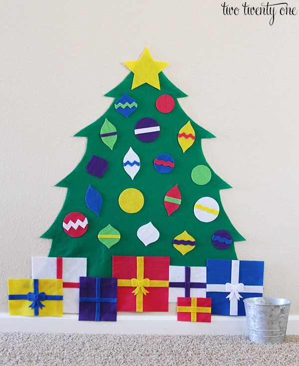 How to make a felt Christmas tree! Plus, free templates for creating your own felt Christmas tree for your child!