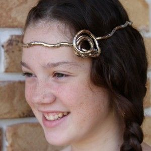 Tween Knotlace rose headpiece photo.  Silver Miss Knotlace.  $25.95 with free shipping in Australia, $5 flat rate internationally.  http://knotlace.com.au/product/miss-knotlace-bendy-jewellery/