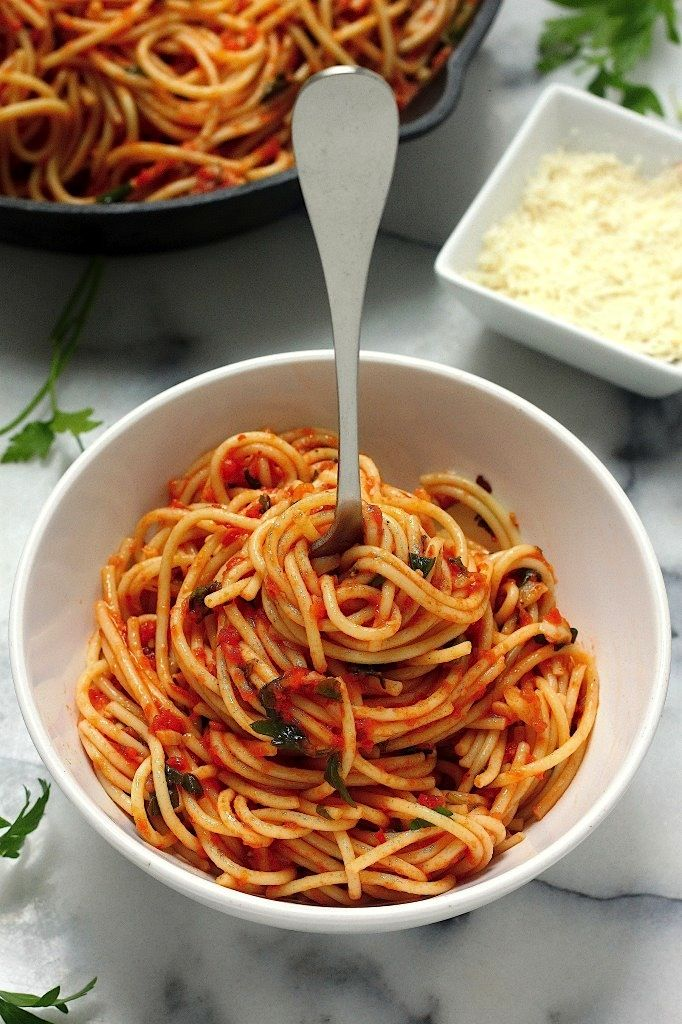 Simple Spaghetti Fra Diavolo - everyone loves this saucy 20 minute meal!