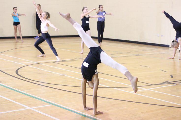 #acrobatique #cartwheel #acro #acrodance #dance #acrosyllabus #acrocurriculum #acroworkshop #acroclass #yycdance #yycacro #yycacrobats #acrobats #acrolife