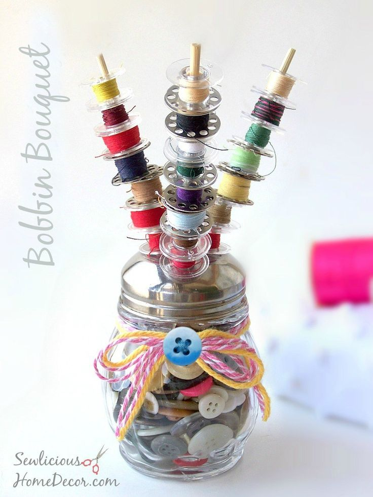 Bobbin Bouquet at sewlicioushomedecor.com. Keep your sewing room organized with this cute bobbin bouquet.