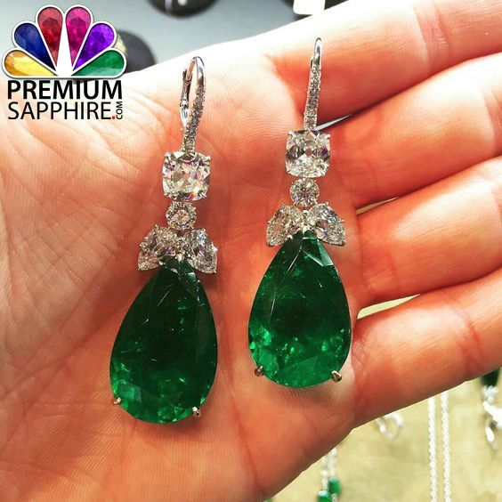 Stunning looks of emerald stone earrings gives benefits and  makes your look fabulous  @ http://www.premiumsapphire.com/blog/emerald-gemstone-origin-properties-benefits/