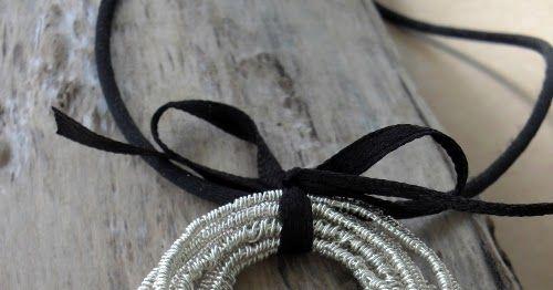 Eine Spule Draht und unendliche Möglichkeiten         Im Moment ist Draht mein liebstes Bastelmaterial, weil man es einfach in der Tasche m...