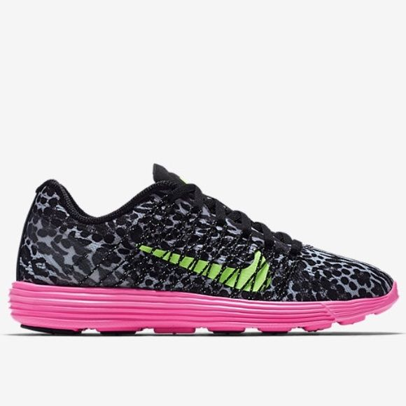 New Women's Nike Lunaracer +3 Running Shoes Nike Lunaracer+ 3 Women's Running Shoe Leopard Pink Black 554683 036 100% Authentic, Brand New  Size: Women's US 5.5 Style # 554683 036  FAST SPEEDSTER WITH A SMOOTH RIDE  The Nike Lunaracer+ 3 Women's Running Shoe combines the feel of a well-cushioned training shoe and the weight of a feather-light racing flat ideal for 5K to marathon distances. **Box top not included** Nike Shoes Sneakers