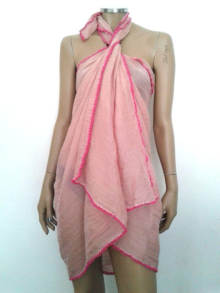 Paréo de plage piscine, cache-maillot de bain bikini en coton froissé rose pour femme, idée cadeau femme. via Sibel Style. Click on the image to see more!