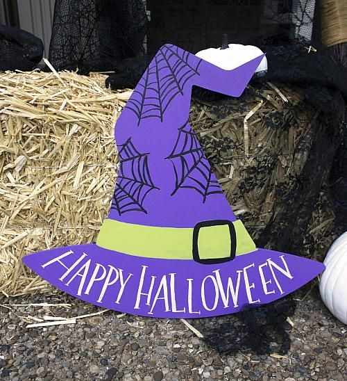 Happy Halloween Witch Hat Cut-Out -- using Outdoor Living paint! No witch is complete without a hat.  #decoartprojects