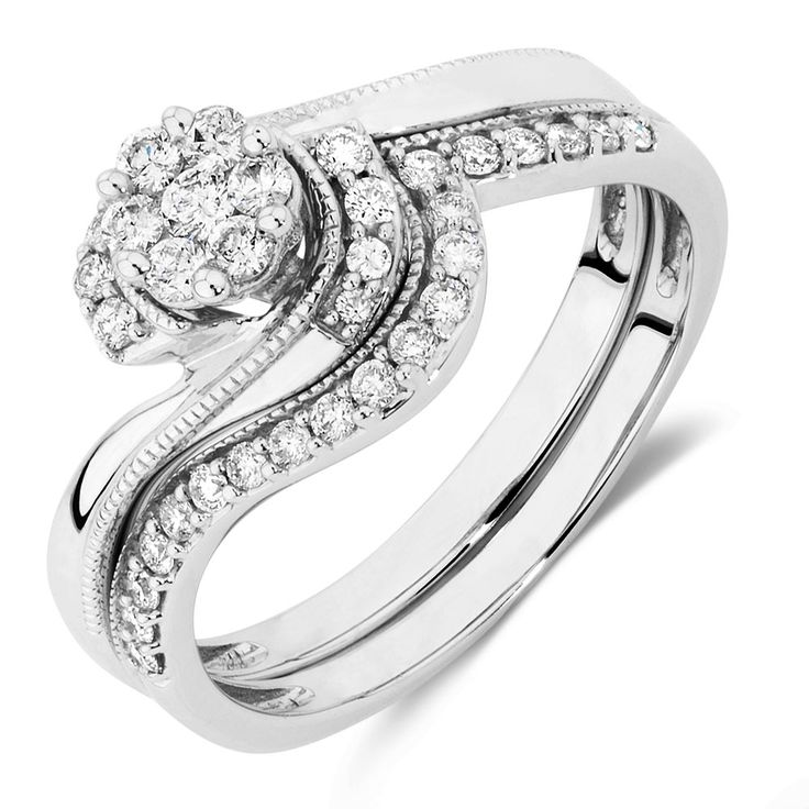 Bridal Set with 3/8 Carat TW of Diamonds in 10kt White Gold