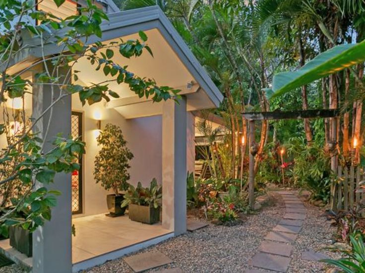 Open Home today 11-1.30 for this fabulous new listing, just one street back from the beach at Kewarra. Don't miss out, we have had so many enquiries already! #beachproperty #kewarabeachrealestate #tropicalhome #elitecairns #cairnsFNQ http://www.realestate.com.au/property-house-qld-kewarra+beach-123826590