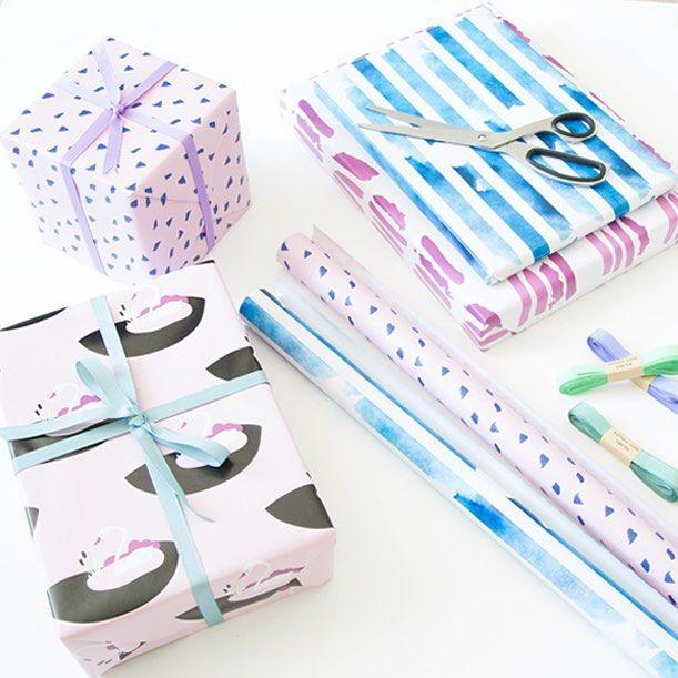 In stores now. DKK 6,98 / SEK 9,88 / NOK 9,48 / € 0,99 / ISK 219 #giftwrapping #gavepapir #new #design #indpakning #gaver #sostrenegrene #søstrenegrene