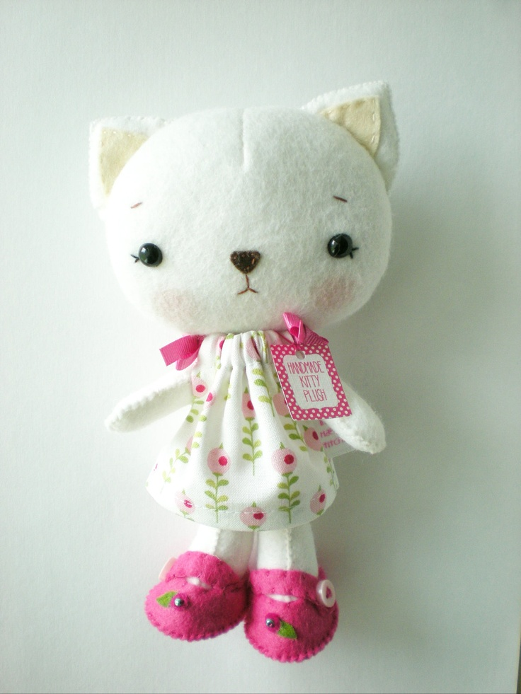Cat Plush love the features..