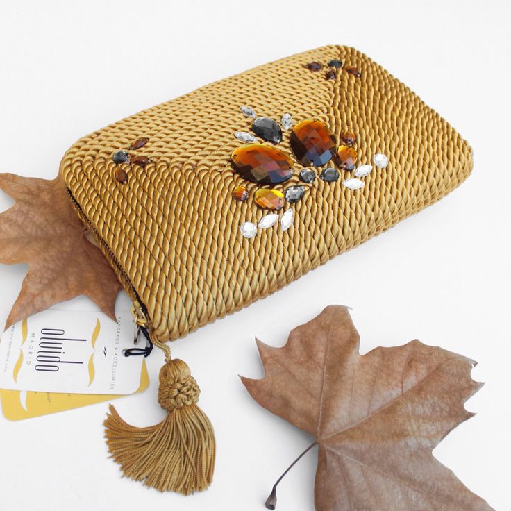 ● Cartera de cordón de seda | Modelo Antoinette | Diseño de OLVIDO MADRID  www.olvidomadrid.es