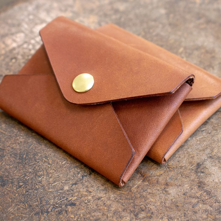 Make A No-Stitch Leather Card Holder – Free PDF Template Set   MAKESUPPLY   – leather jewelry