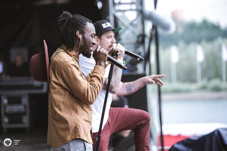 No man is an island @randyvalentine @jahsuncali  @georgiana_chitea  @summerjam_festival_official #summerjam #randyvalentine #jahsun #brotherskeeper #theRVlution #betweenthelines #california #clarenDon #germany #festival #reggae #summer #photoreport #musicphotography #vibes #festivalmood #concertphotography