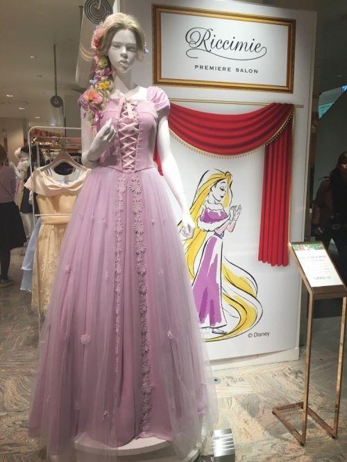 ディズニープリンセスに変身♡リッチミープレミアサロンのドレス4つ