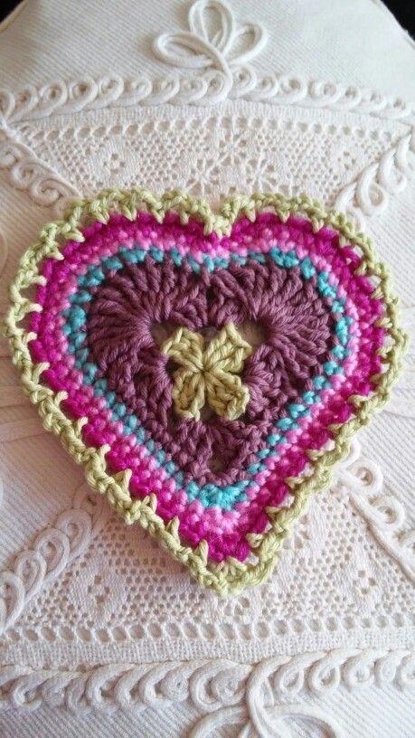 Granny sweet heart / Angol nyelvű mintaleírás: Yarnpumpkin.blogspot.com