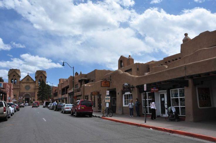 //santa fe   Rua de Santa Fé, no Novo México - Estados Unidos