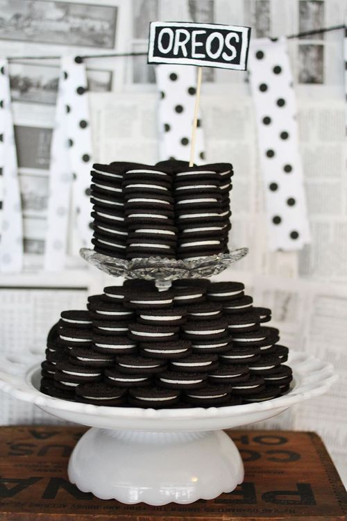 Black & white party centerpiece. LOVE THIS IDEA!!!!!!! Can also use Grasshoppers (the cookies)!