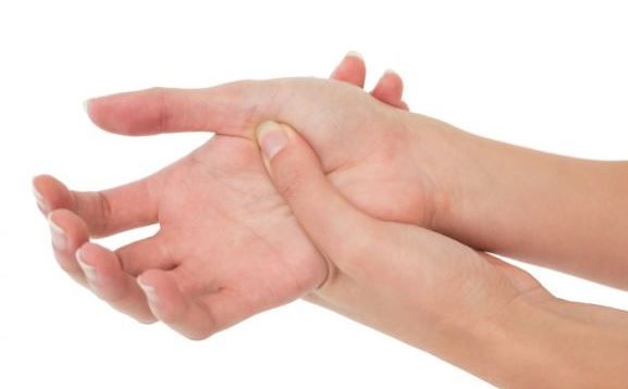 Hét dolog, ami miatt zsibbadhat a kezed - Egy az Egyben