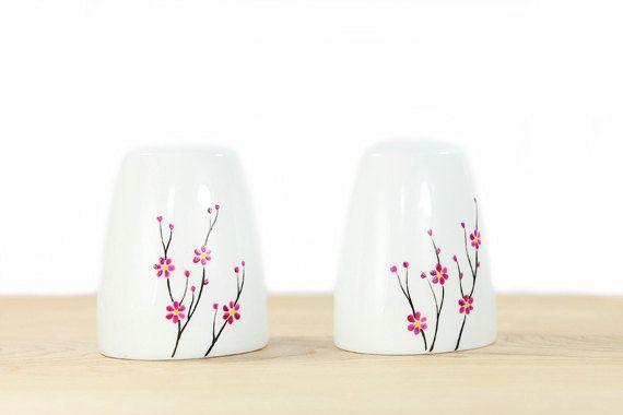 Hand bemalte Keramik Salz und Pepper Shakers Blooming Cherry Tree Design moderne minimalistische weiße Küche Dekor dekorative Keramik-Kunst
