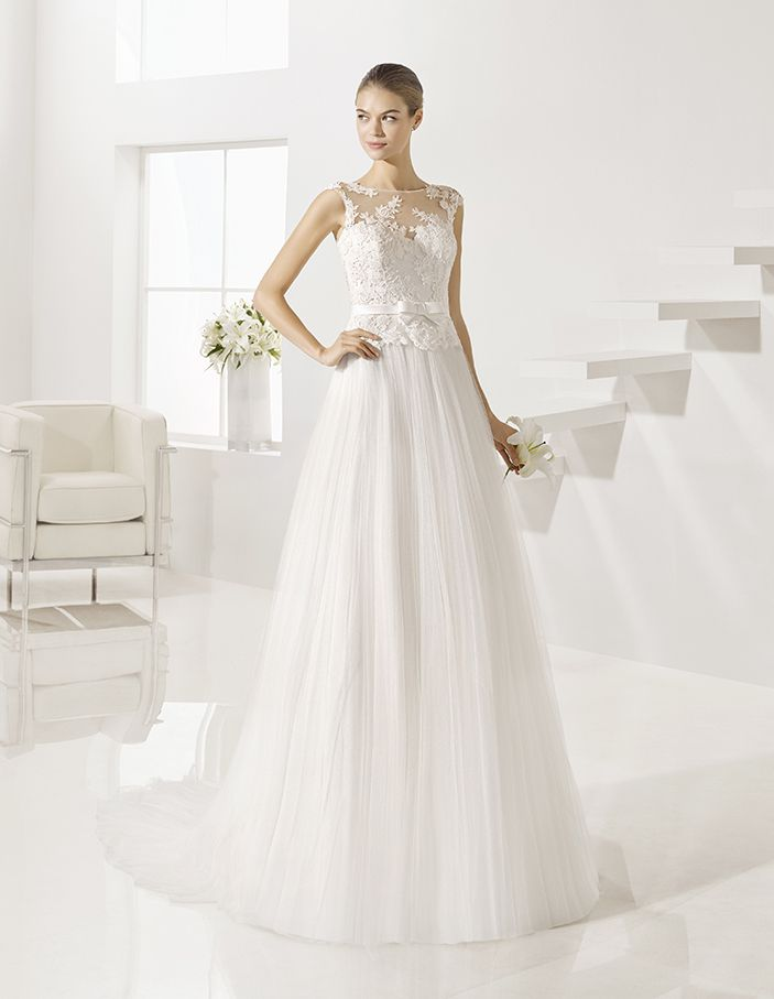 Gondola - Soft tulle and guipure lace dress, in natural.